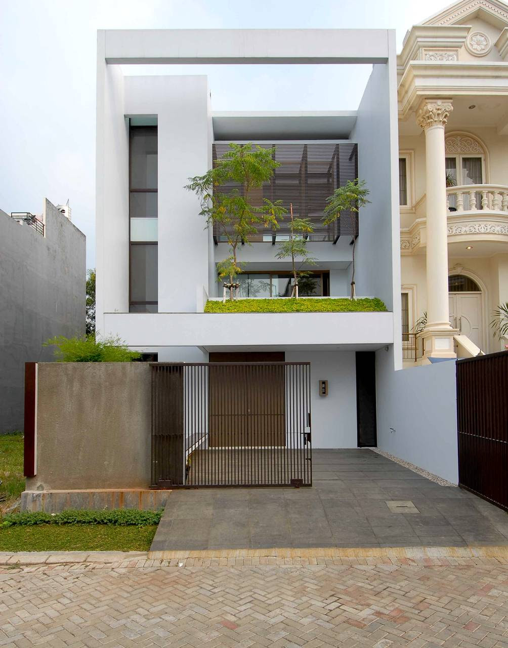 Less is More: minimalism amid affluence in north Jakarta ...