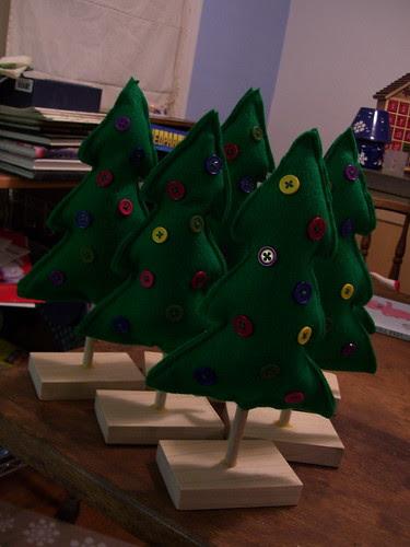 xmas tree gifts 2008