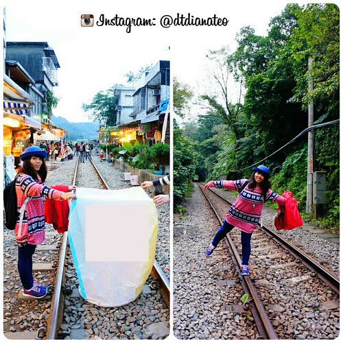 Taiwan - Shifen Release Latern & Walk on Railway