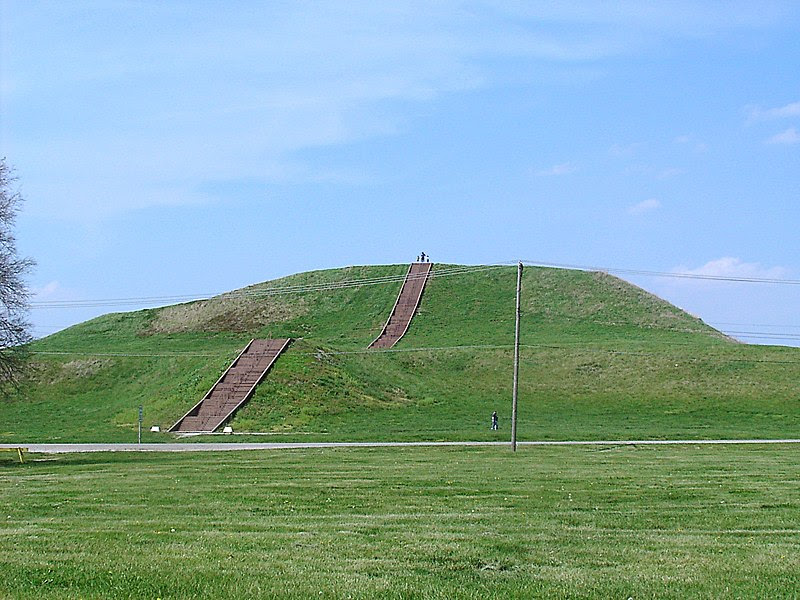 File:Monks Mound in July.JPG