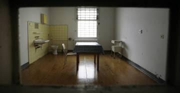 una celda de la Stasi alemana.
