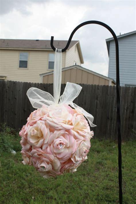 My DIY coffee filter flower balls (pomanders) : wedding