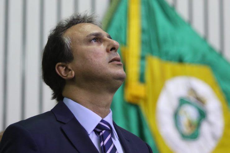 """""""Chega de se criar polêmicas e crises! Não é o que o Brasil precisa neste momento"""", pede Camilo Santana"""