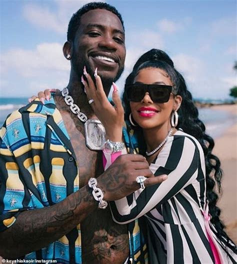 Gucci Mane buys his wife a 60 carat wedding ring upgrade