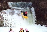 La pratica del riverboarding: fatale per Emily Jordan