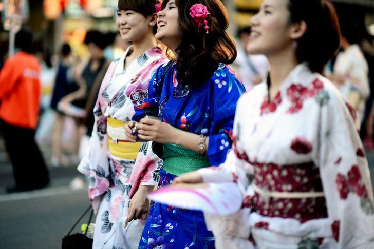 mujeres-japonesas-en-kimono
