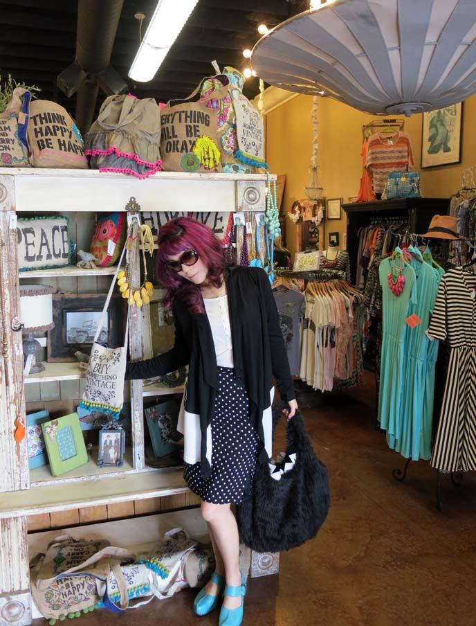Small Clothes Boutique Decoration | decorating zen