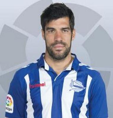 Manuel Alejandro García Sánchez, conocido como Manu García (Vitoria, Álava, España, 26 de abril de 1986), es un futbolista español. Juega en la posición de centrocampista y su actual equipo es el Deportivo Alavés, de la Primera División de...