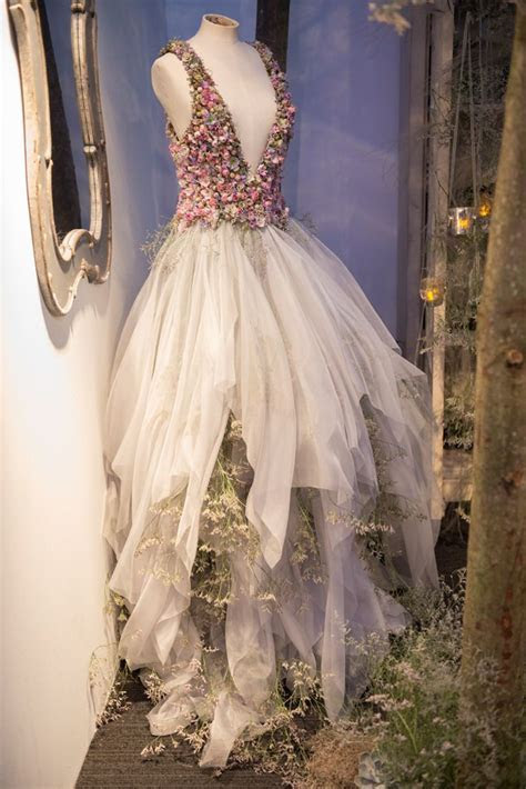 Sleeping Beauty: Zita Elze Floral Artist At Brides The