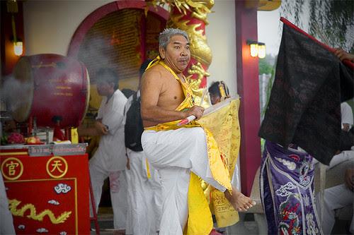 Ma Song dancing at Sam Kong Shrine