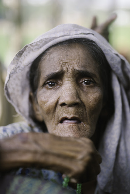 An elderly Rohingya refugee woman. Credit: Umer Aiman Khan/IPS