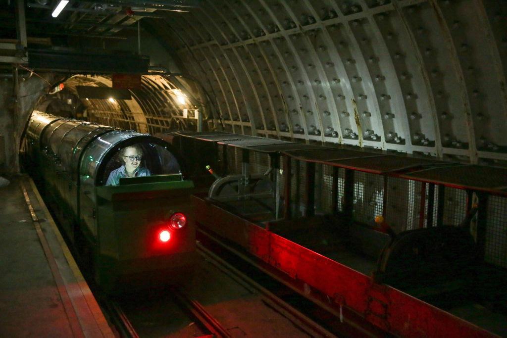 O correio ferroviário subterrâneo de Londres 08