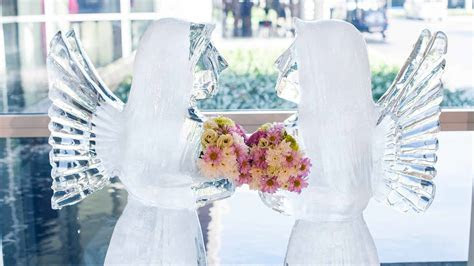 How Much Does a Wedding Ice Sculpture Cost   Prices