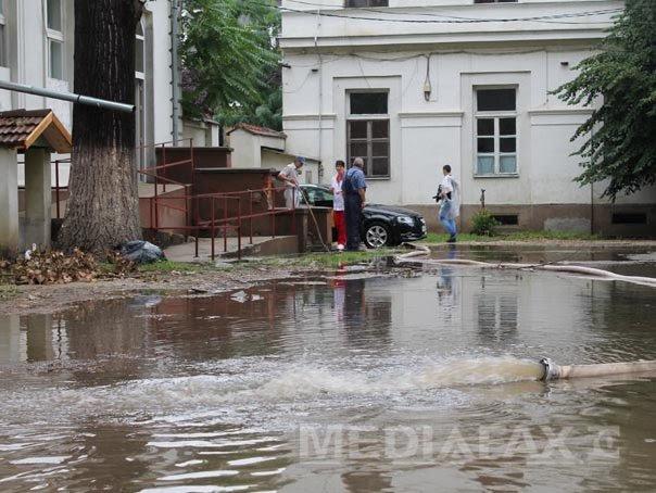Codurile galbene de ploi si inundatii, mentinute în Timis, Caras-Severin si Mehedinti