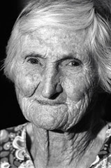 Tereza 99 anos  por Joel Jordani