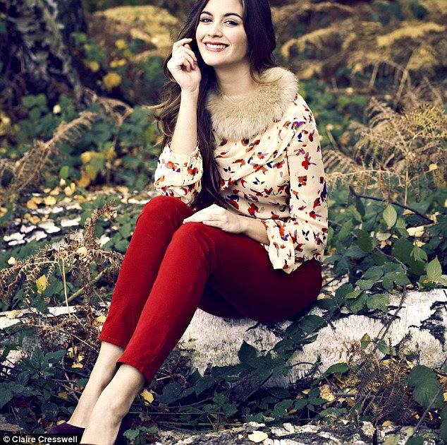 Vanessa Bruno floral blusa, £ 329, Fenwick, 020 7629 9161