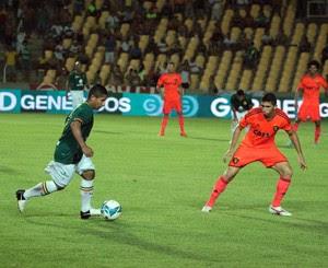 Curuca durante jogo contra o Sport (Foto: Biné Morais / O Estado)