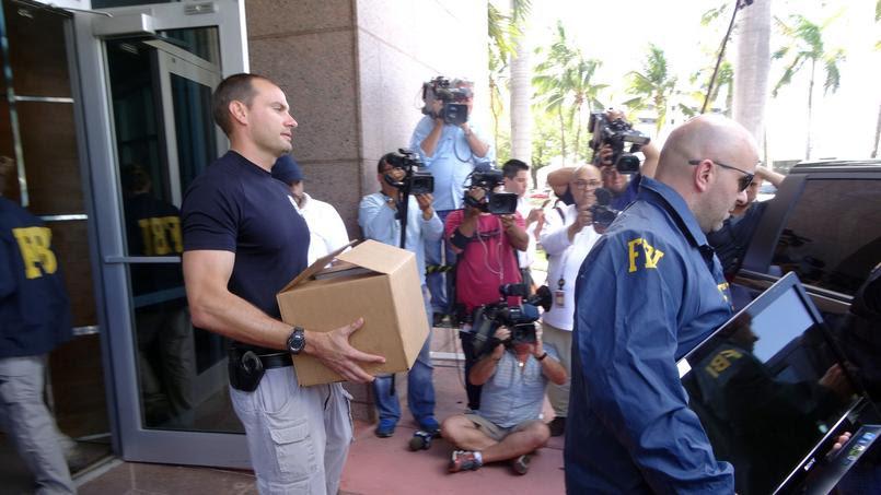 Le FBI procède à des saisies de documents dans les locaux de la Concacaf à Miami.