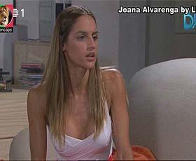 Joana Alvarenga sensual em varios trabalhos