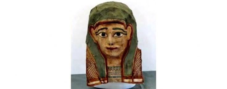 a máscara continha fragmentos de um papiro antigo (Foto: divulgação)