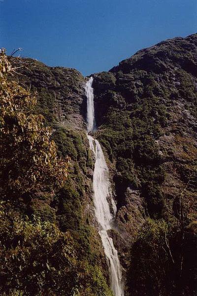 File:Sutherland Falls.jpg