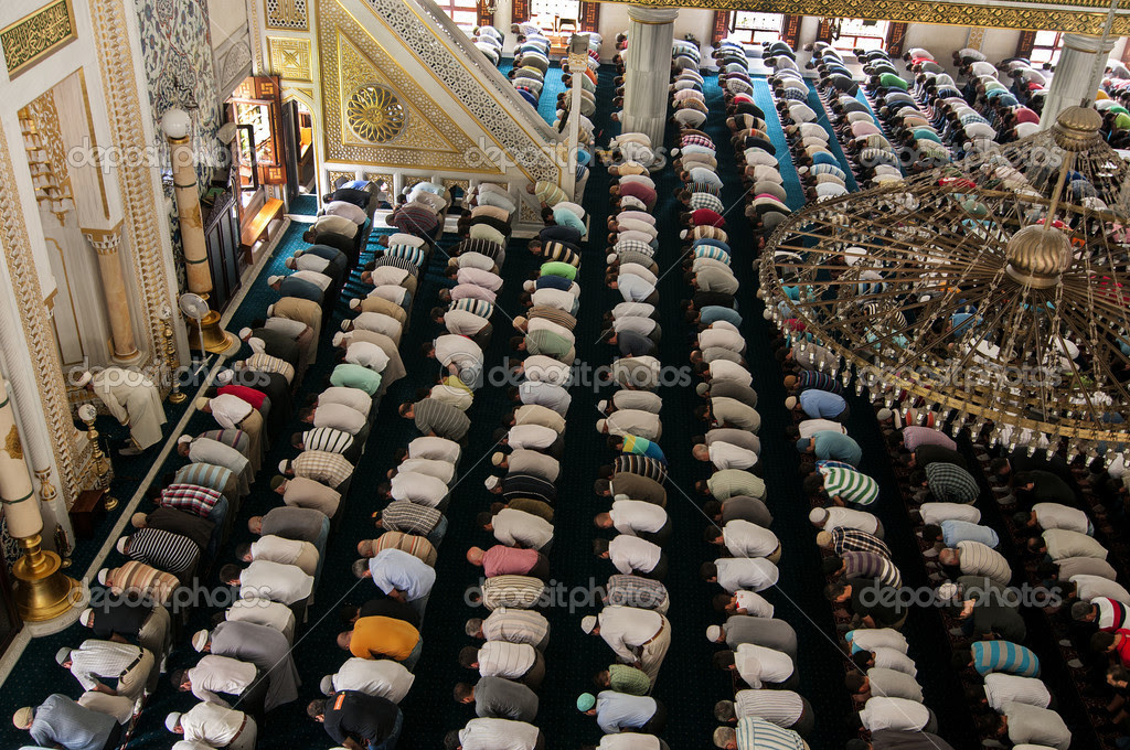 http://static9.depositphotos.com/1605259/1200/i/950/depositphotos_12008663-stock-photo-muslim-friday-prayer-tunahan-mosque.jpg