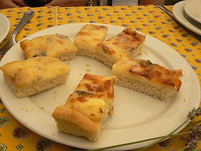 pizza gorgonzola .jpg
