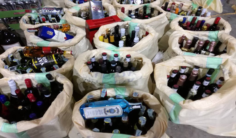 Foreign liquor, hashish, ganja worth over Rs. 10 million nabbed by Customs