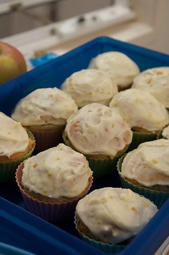 lemon and chocolate cupcakes