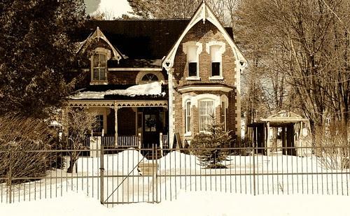 Orillia - Classic Victorian Home