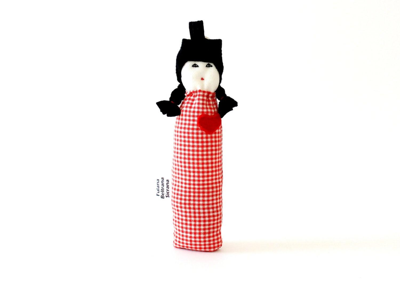 Custom felt red heart keychain fabric miniature doll Fulana by Fulana, Beltrana e Sicrana