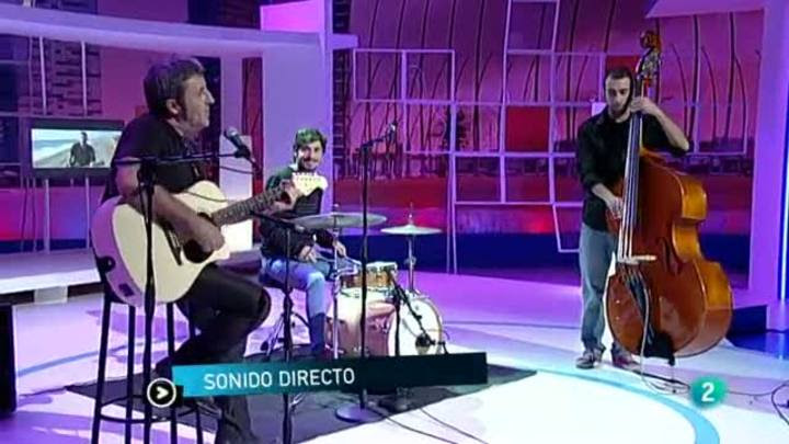 """Para Todos La 2 - Actuación: Tipos con suerte """"El cantante Rock y la fan de Los Suaves"""""""