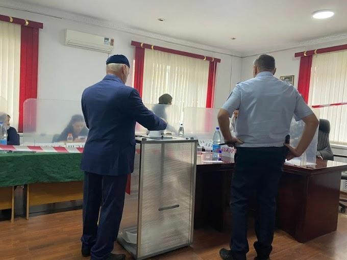 В8часов утра вИнгушетии открылись все 137 избирательных участков