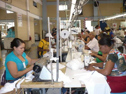 Anuncian más de 5 mil empleos para operarios y supervisores zonas francas