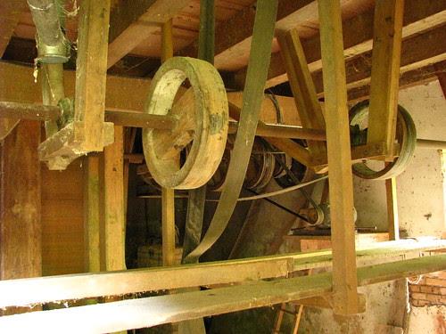Mecanismos do antigo moinho de água I