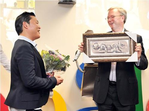 Psy dan Eric Schmidt bertemu di kantor Google di Korea Selatan