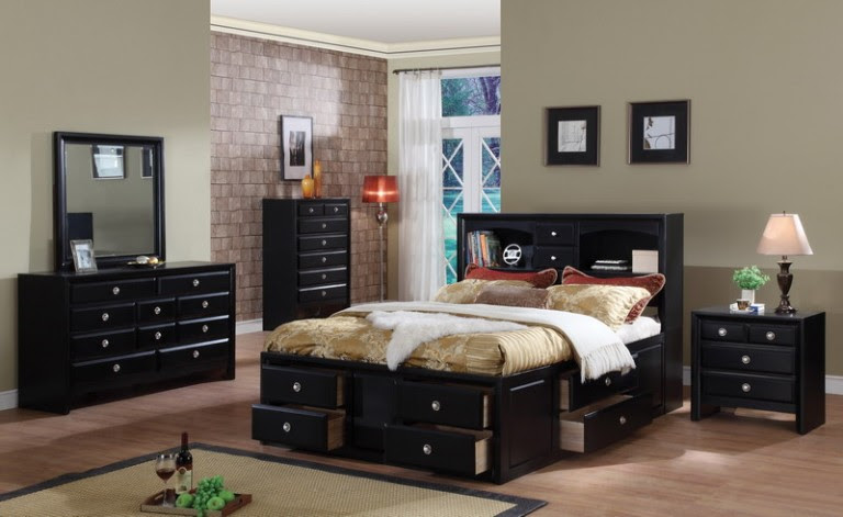How to decorate: Paint an elegant black bedroom | The Man Cave