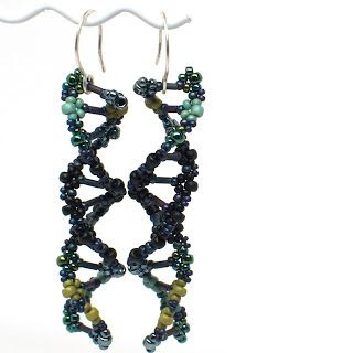 gwenbeads: How to bead weave DNA double helix earrings