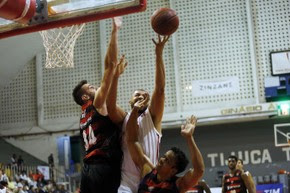 Flamengo bate o Vitória e segue líder no NBB