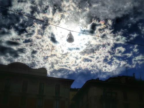 Il cielo con il lampione spento by Ylbert Durishti