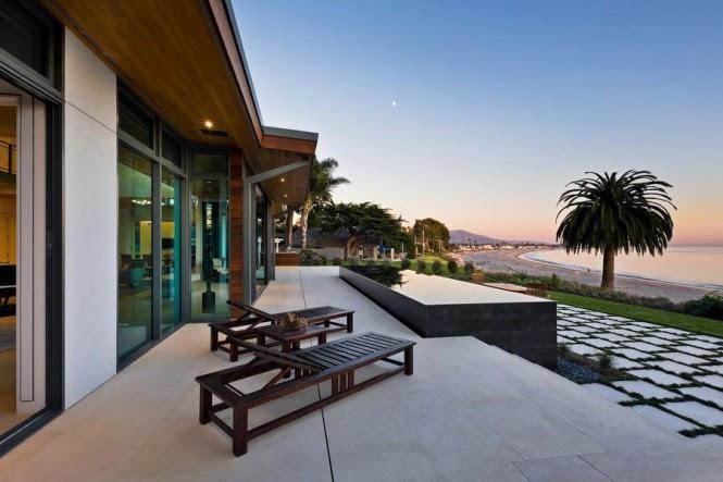 Wood sun lounger patio