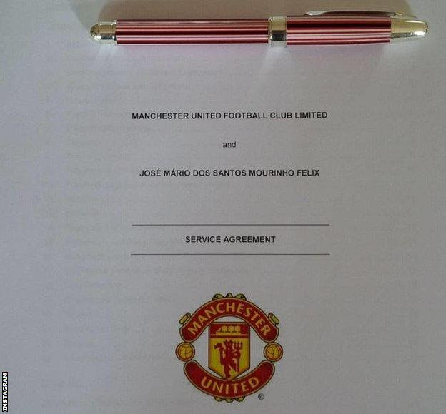 Mourinho posted a photograph of the contract soon after his appointment was confirmed