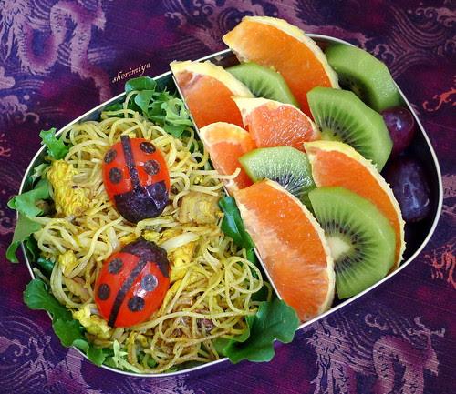 Singapore Rice Stick Ladybug Bento by sherimiya ♥