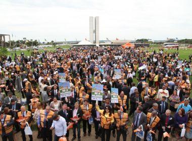 Mais de 3 mil prefeitos protestam em Brasília contra crise; Bahia tem 401 participantes
