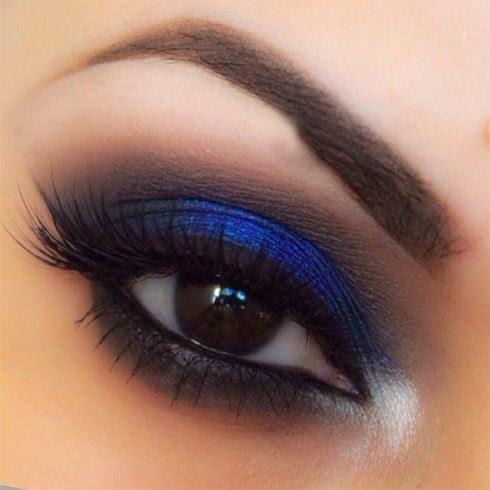 Makeup looks for a navy blue dress
