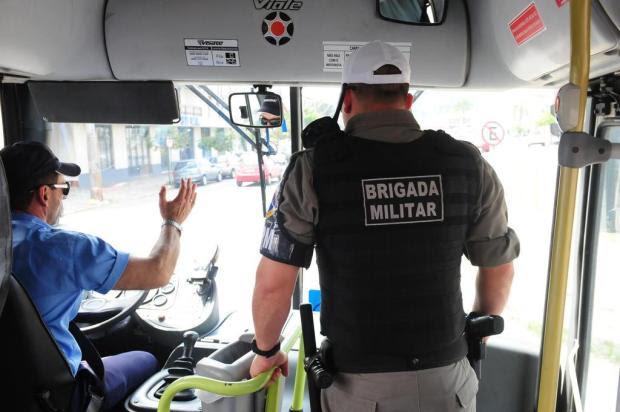 Resultado de imagem para transportes coletivos e policia
