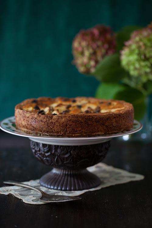 Apple Cake with Raisins 1