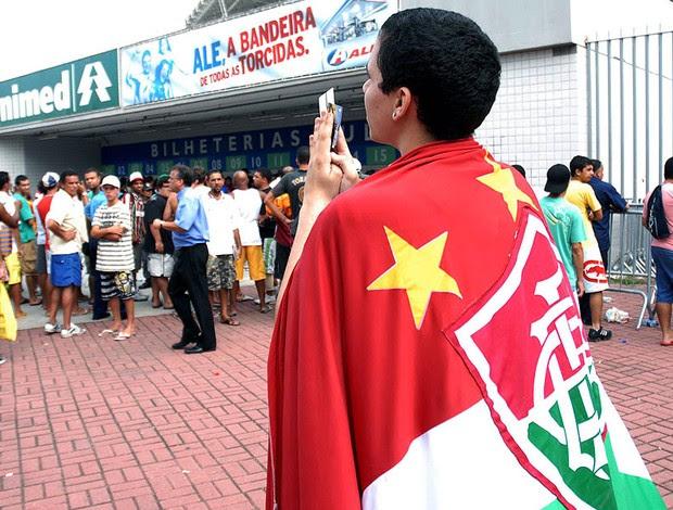 fila de torcedores para comprar ingressos no Engenhão