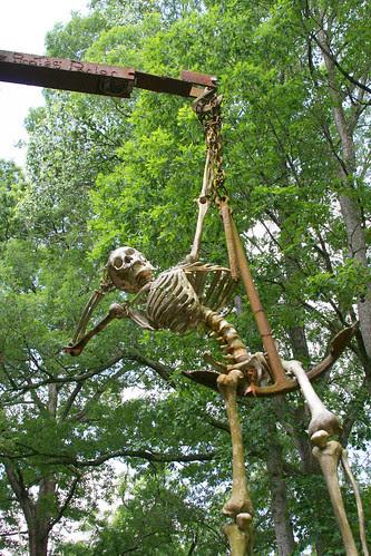 23_castle_skeleton