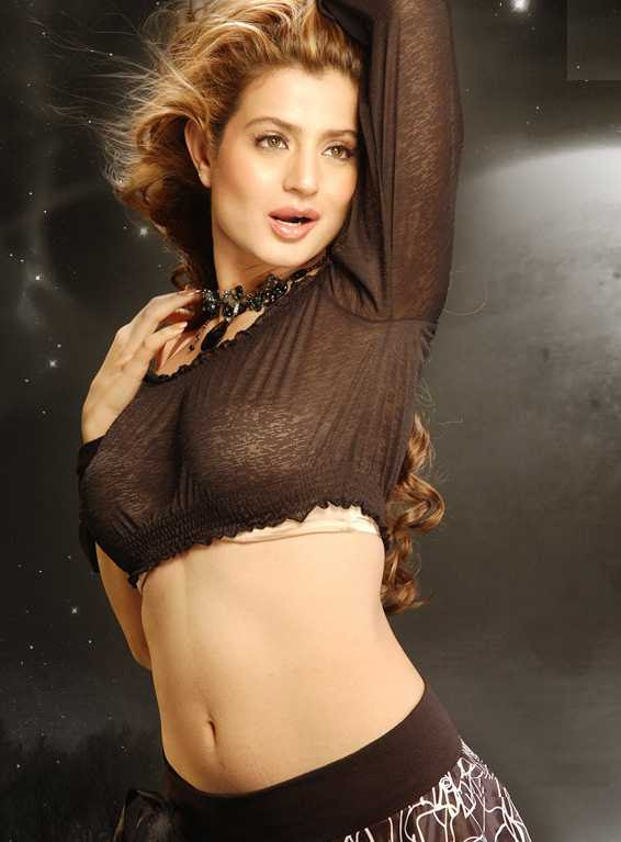Ameesha Patel Hot Navel Images In Bra Panty